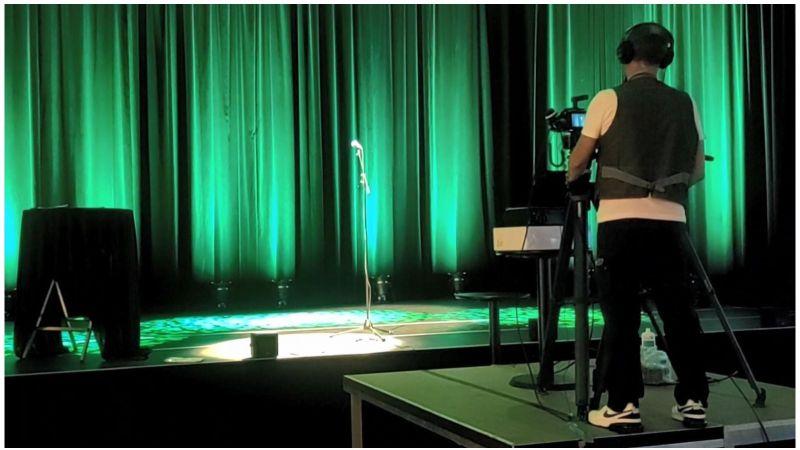 """Bühne frei für den Science Slam - gedreht wurden die Beiträge für den Energieforschungskongress """"Alles ist Energie"""" im Veranstaltungshaus Ebertbad in Oberhausen."""