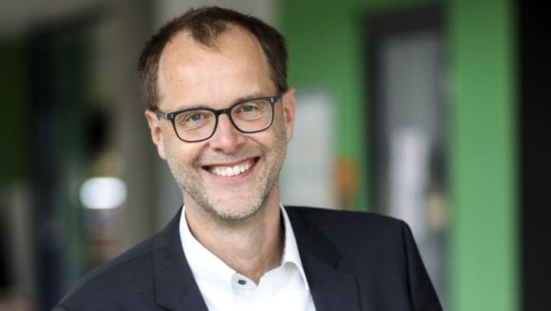 Portraitbild von Professor Doktor Bernd Kriegesmann