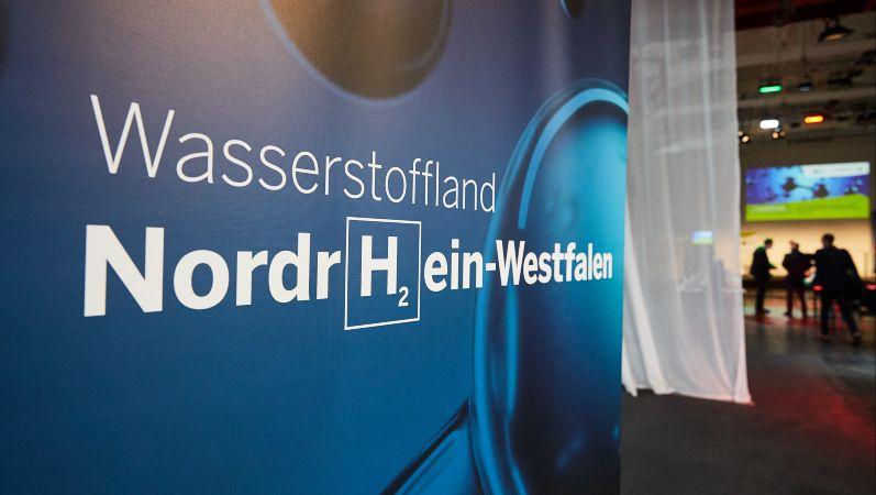 Aufnahme von der Veröffentlichung der Wasserstoff-Roadmap für Nordrhein-Westfalen.